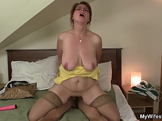 Son in law finds busty mom toying her..